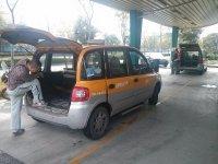 samochód z dużym bagażem